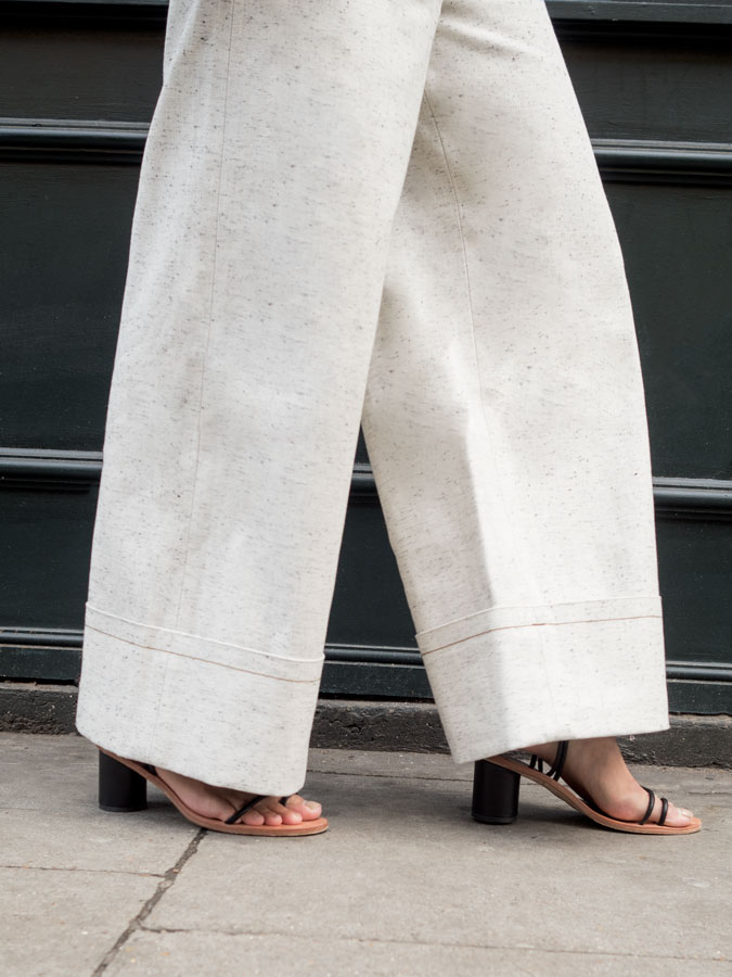 salt-and-pepper-turn-up-jeans-legs